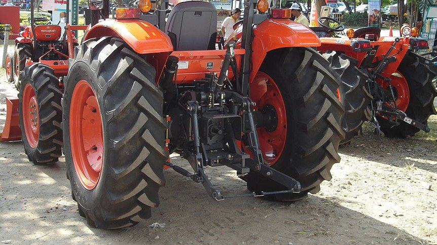 3-point hitch on kubota tractor